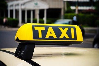 taxi 3504010 640 5452299