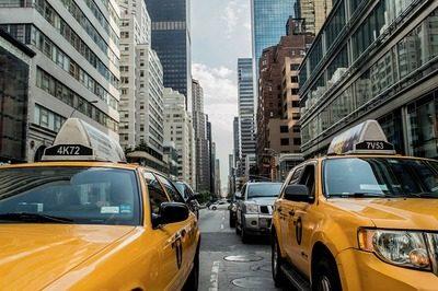 taxi-cab-381233_640-3744329-6286826